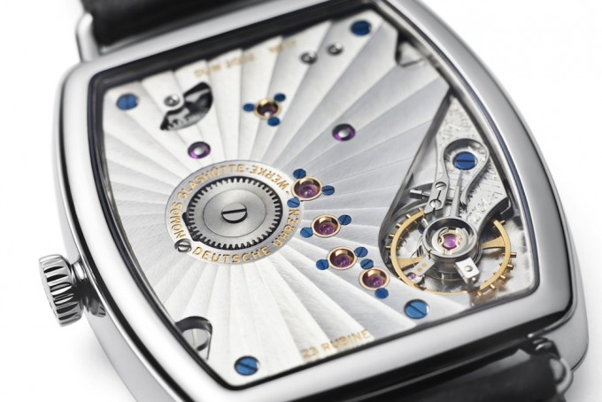 Name:  NOMOS-Lux-Weissgold-glass-back-03-680x454.jpg