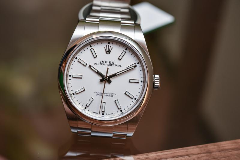 Name:  Rolex-Oyster-Perpetual-39-ref-114300-White-Dial-Baselworld-2018-4.jpg Views: 66 Size:  38.6 KB