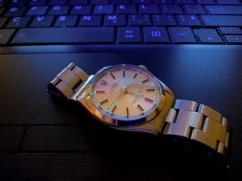 Name:  Rolex glow1.jpg Views: 57 Size:  51.1 KB