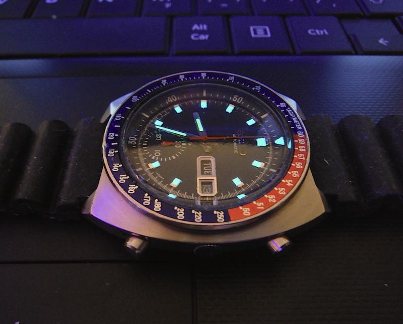 Name:  Seiko 6139 glow1.jpg