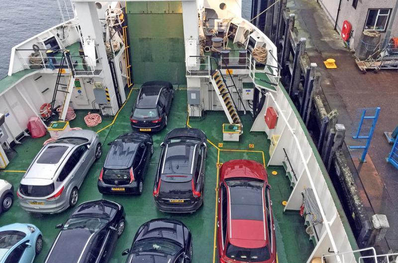 Name:  mercedes-benz-e220d-aboard-the-ferry.jpg Views: 45 Size:  93.8 KB