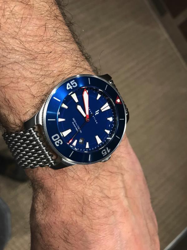 Name:  Rev Diver blue shark.jpg Views: 63 Size:  62.6 KB