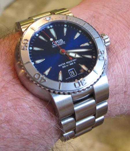 Name:  Blue Divers Date.jpg Views: 101 Size:  60.4 KB