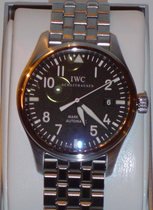 Name:  101209_IWC_Mark_XVI_arrival_6r.jpg Views: 102 Size:  58.9 KB